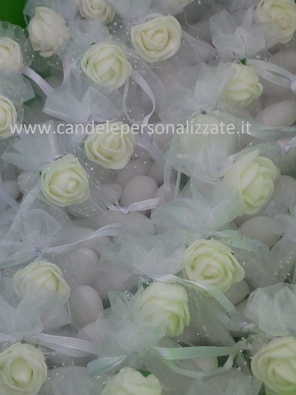 sacchettini con confetti per matrimonio